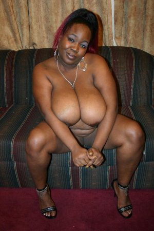 Charifa hot casual sex in Chippewa Falls